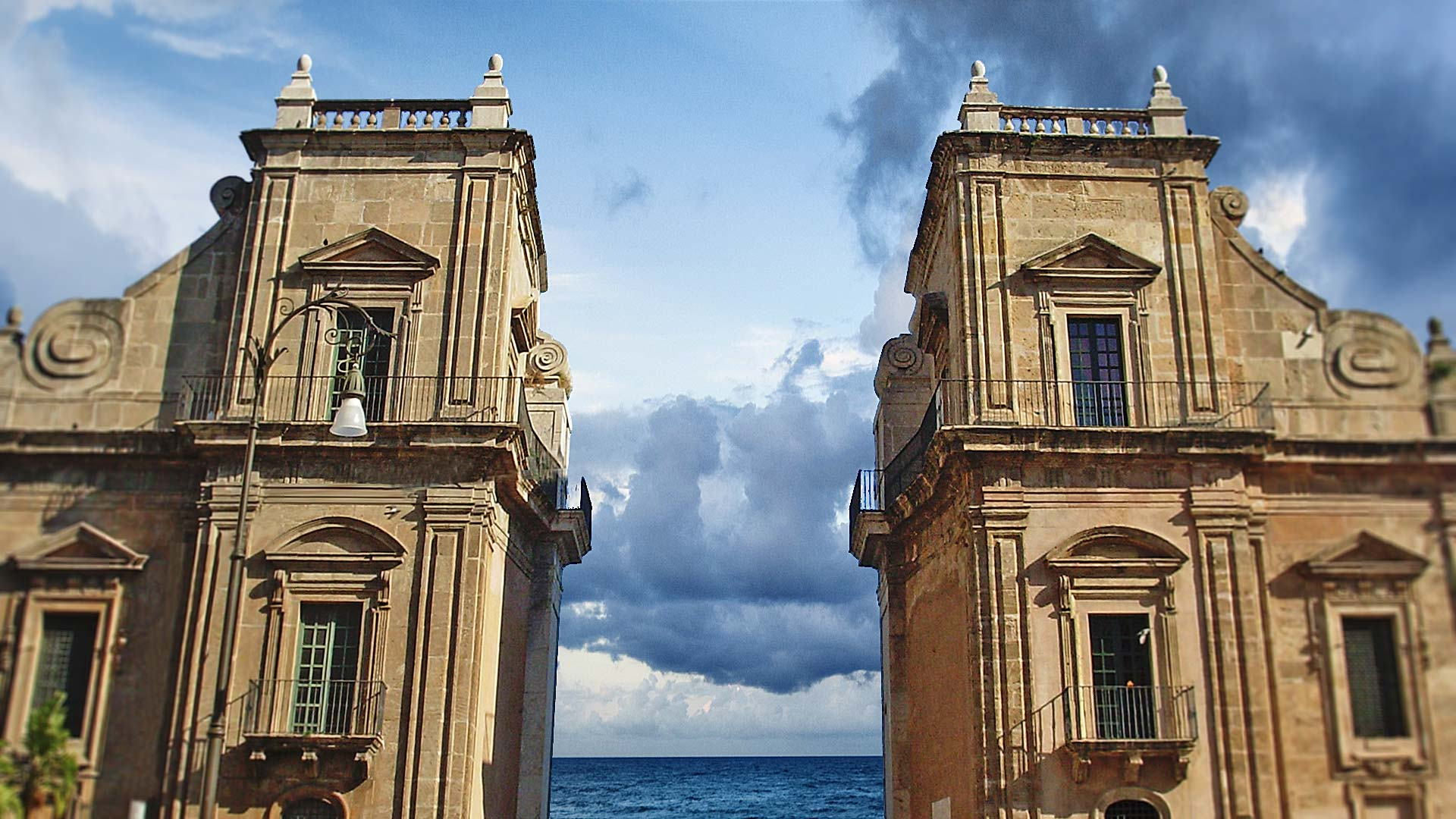 Discover palermo hotel porta felice palermo - Porte a palermo ...