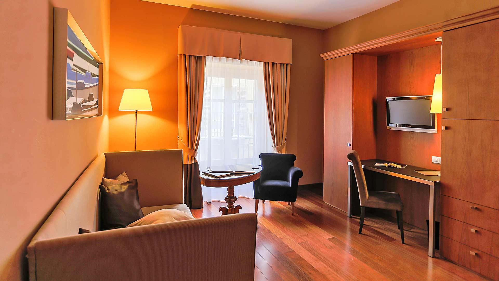 Suites hotel porta felice palermo for Design hotel palermo